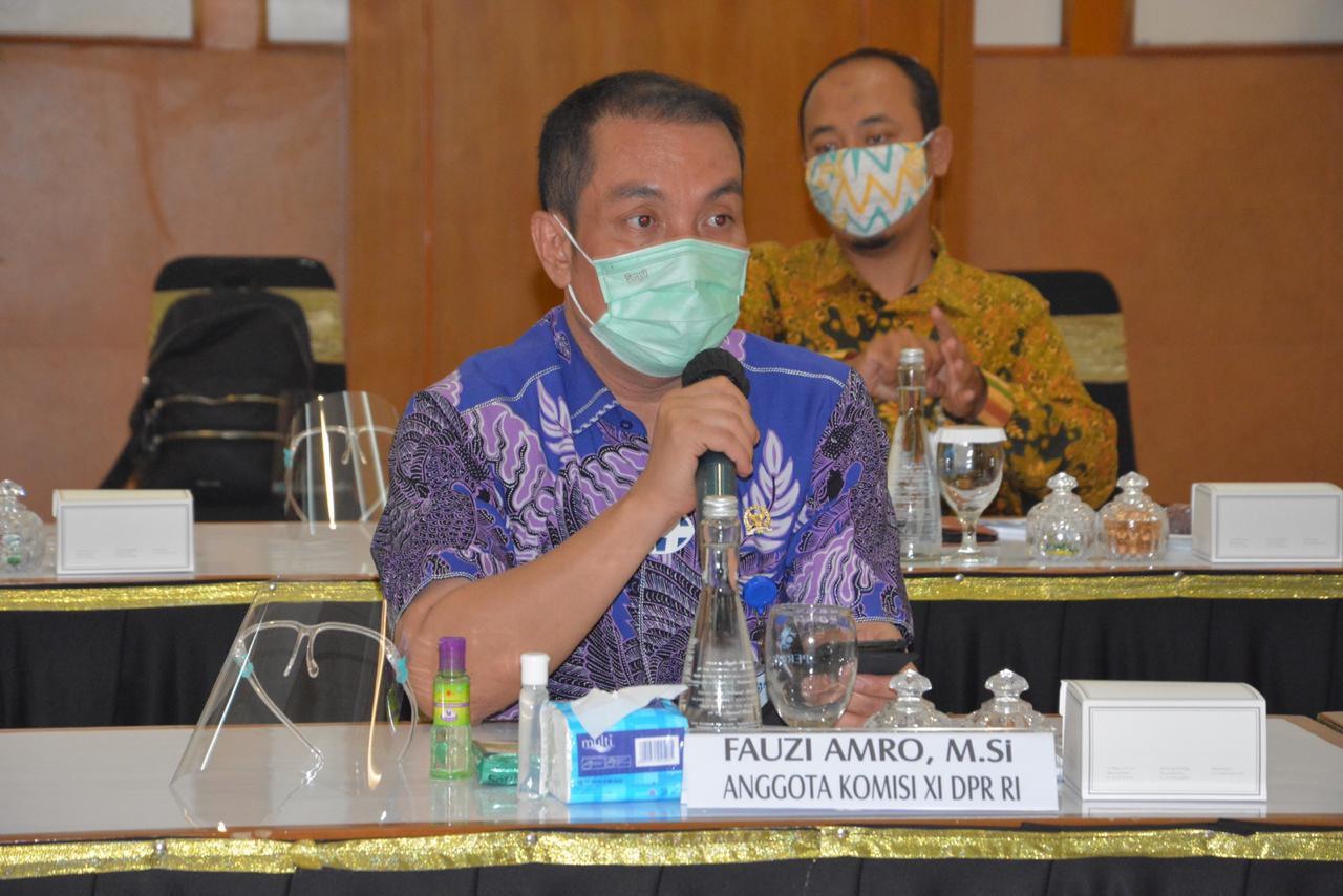 Anggota Komisi XI DPR-RI, Fauzii H Amro M,Si.